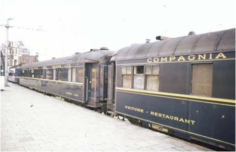 Early steel cars, in this case VR2975 and 2750, although the picture taken when the cars were around 45 years old.